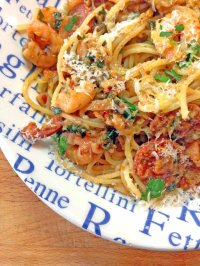 Spaghetti with prawns and chorizo