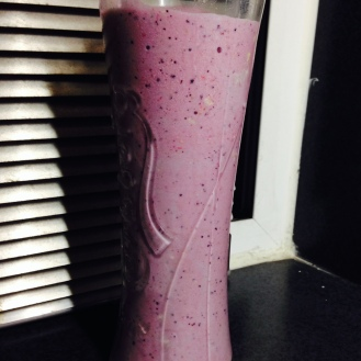 Summer berry banana smoothie